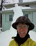 Click image for larger version.  Name:snow giant + me.jpeg Views:130 Size:19.0 KB ID:16164